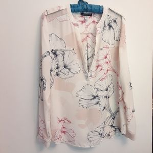 Simply Styled floral Blouse